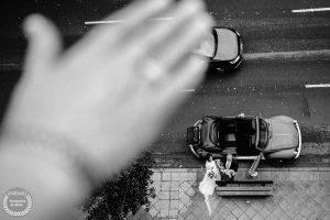 "Foto de: <a href=""https://fotografos-de-boda.net/porfolio/pajaros-en-mi-cabeza/"" target=""blank"">Eduardo Banga</a>"